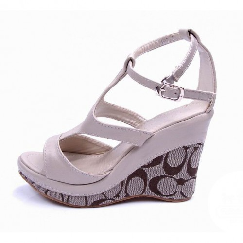 Coach Dolce White Wedges CUV